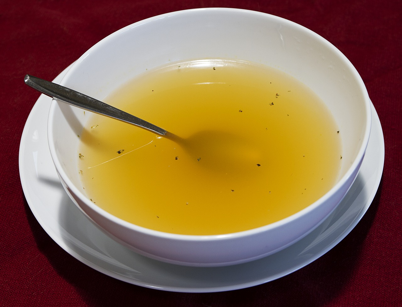 Clear chicken broth soup